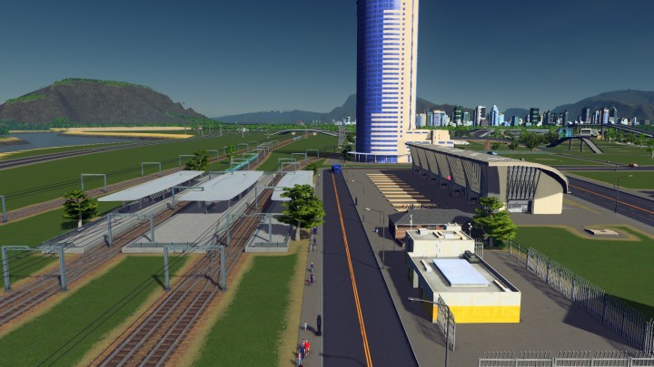 Four track bus and train interchange